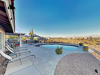 Sophisticated Mountain-View Home   Private Pool & Outdoor Kitchen