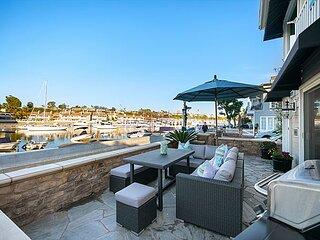 Balboa Island bayfront living at its finest