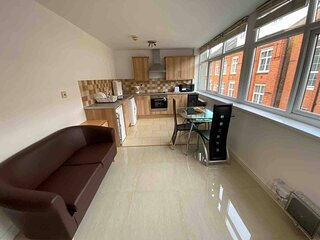 Lovely 1-Bed Apartment in Leicester