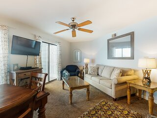 Oceanfront condo with shared pool, high-speed WiFi, washer/dryer, & central AC