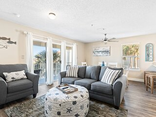 Second floor condo with shared pool, high-speed WiFi, and private washer/dryer