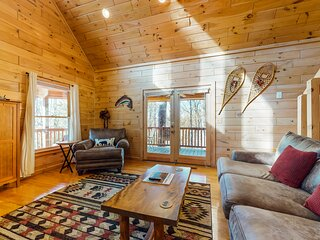Deluxe, three-story cabin w/ a private hot tub, free WiFi, & a pool table