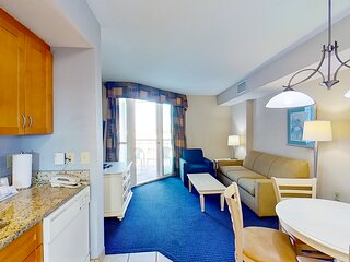 5th floor condo w/ shared hot tub, central AC, W/D, marina View, & free WiFi