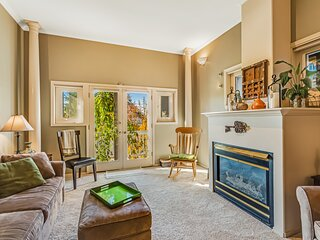 Three-Story Home with WiFi, City View Deck, Private Washer/Dryer, and Garden!