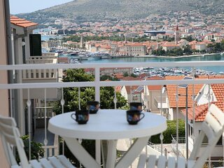 Mare - comfortable apartment : A1(5+1) - Trogir