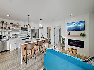Luxe Modern North Park Condo | Fireplace & New Kitchen | Walk to Balboa Park