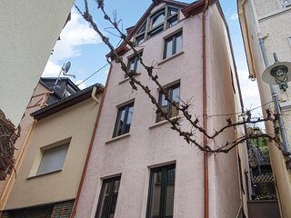Nice apartment in Zell/Mosel with WiFi and 2 Bedrooms (DMO128)