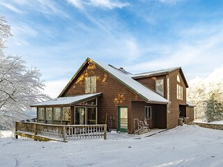 Spruce Lodge - 1465 Mountainside Road  Spruce Lodge - Easy Access to Dolly Sods,