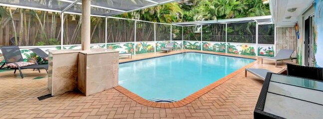 TROPICAL VACATION HOME..6 BEDROOMS 4 BATH POOL HOME.