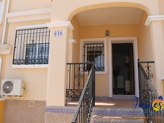 Entre Golf Townhouse with Communal Pool VM16