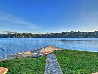 Waterfront Olympia Home w/ Private Beach & Kayaks!