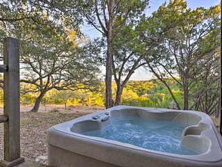 NEW! Secluded Cabin Oasis w/ Hill Country Views!