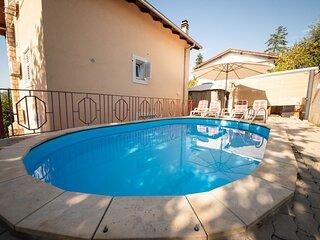 Ivona - open swimming pool: A1 (4+2) - Njivice