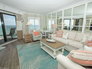 IR 605 Completely Renovated Gulf front 2 BR with washer/dryer and amazing views
