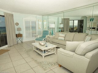 Inlet Reef 106 is a professionally decorated and absolutely gorgeous 2 BR