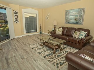 IR 213 is a beautifully updated Gulfview 2 BR with amazing rates - Sleeps 8