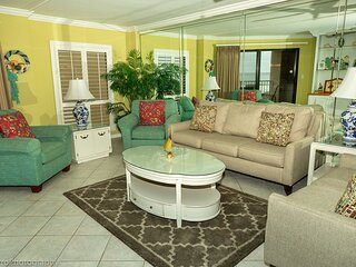 IR 313 is a Beautiful 2 BR Gulf view with Washer Dryer over 1300 sf