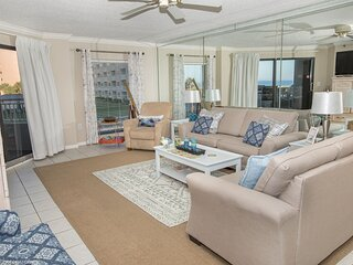 Inlet Reef 111 is a large 2 BR on the Beach with Pool