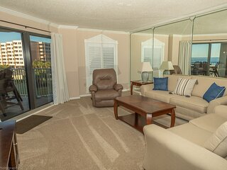 IR 212 is a 2 BR Gulf view with Washer Dryer over 1300 sf