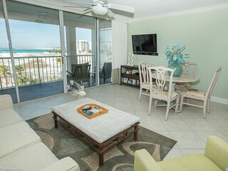 Magnolia House 309 is a Luxury 1 BR with Free Beach Service for 2
