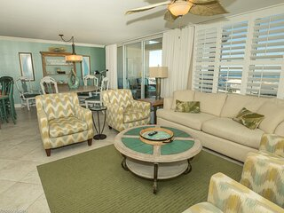 Magnolia House 602 is Luxury 2 BR w/Penthouse Views and Free beach set up for 2