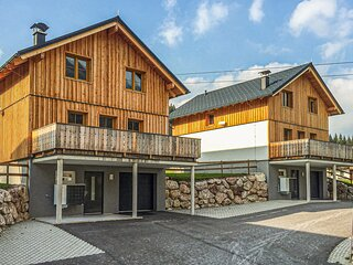Beautiful home in Altaussee with Sauna, WiFi and 3 Bedrooms (AST262)