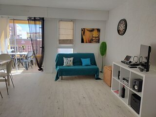 1 Bed Apartment / Centre Port