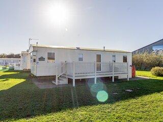 8 berth caravan at Broadland Sands Holiday Park in Suffolk ref 20136BS