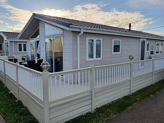 Luxury platinum lodge at Suffolk Sands Holiday Park ref 45009MV