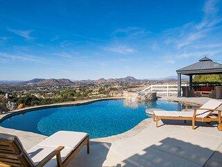 Best View in Temecula | Infinity Pool, Spa & Outdoor Kitchen | Billiards Room
