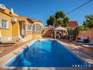 CASA LUNA - Villa con piscina a solo 1,5km de la Playa la Fossa de Calpe para 6