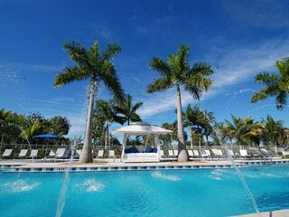 Perfect Island Paradise! Elegant Suite Unit, Pool, Spa!