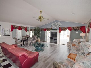 Grand Strand Resorts III Oceanview Penthouse! Pet Friendly/Steps to the Beach