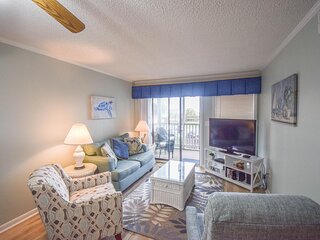 Completely Renovated! Tilghman Beach and Racquet Club Unit: 129! 3 Bedroom