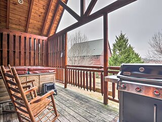 Pigeon Forge Cabin w/ Games, 1 Mi to Parkway!
