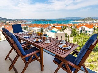 SeaByMe Luxury Penthouse with Sea View Terraces