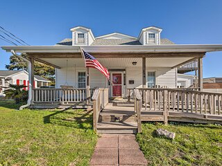 NEW! Charming Retreat w/ Water View, Walk to Dtwn!