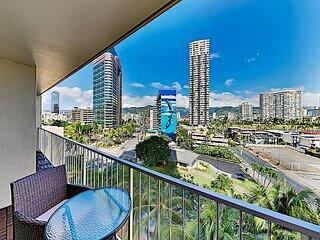 Pavillion Condos   Waikiki Retreat with Rooftop Pool & Sauna   Walk to Beach
