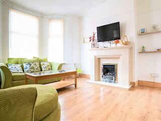 Lovely 4-Bed Business or Family House in Liverpool