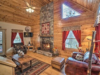 NEW! Outdoor Adventure - Charming Cabin w/ Hot Tub