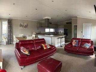 Lodge 39 Luxury 2 bedroom Lodge in Ely, Cambridge.