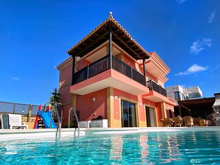 Luxury 5 star Villa Violetta with amazing sea view and heated pool