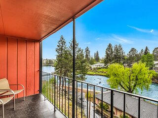 Downtown Riverfront Condo. Best location in Bend!