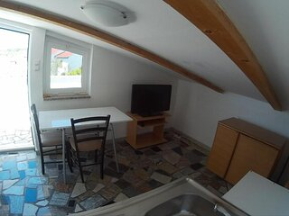 P6 - Low Ceiling Apartment with Air-Conditioning and a small Terrace in Krk