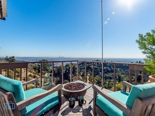 Featured on Emmy Award CBS Show STAYCATION as the Best Jet Liner Views in LA - B