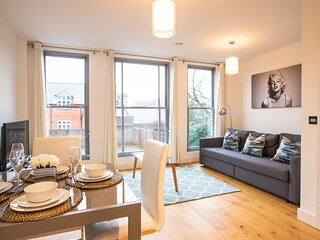 King Edward IV Luxury Apartment