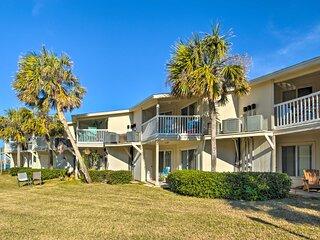 NEW! 'Eco-Bungalow' Condo: Pensacola Beach Access!