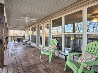 Lakefront Home on Table Rock w/ Fire Pit & Grill!