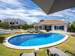 Lovely villa with annex, private pool, pool table to keep the kids entertained