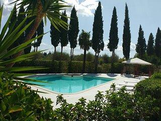 Relais Villa Amalia - Villa con giardino privato e piscina con idromassaggio.